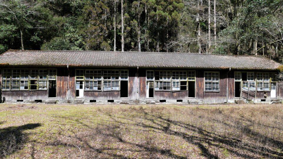 尾股小中学校 このまま保存したい校舎